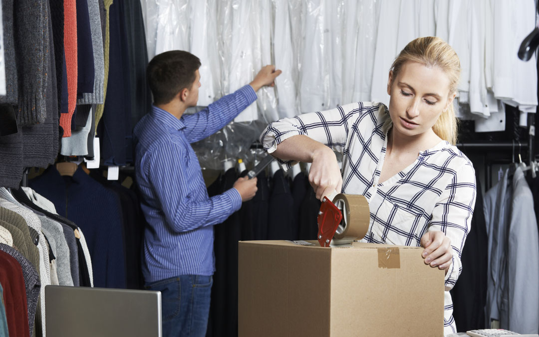 3 Packaging Options for Shipping Clothing