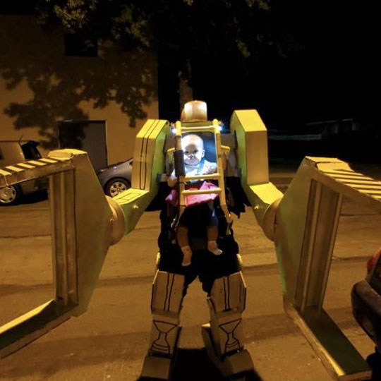 Corrugated Costumes: Aliens Heavy Loader