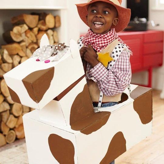 DIY Cardboard Costumes: Cardboard Cowboy