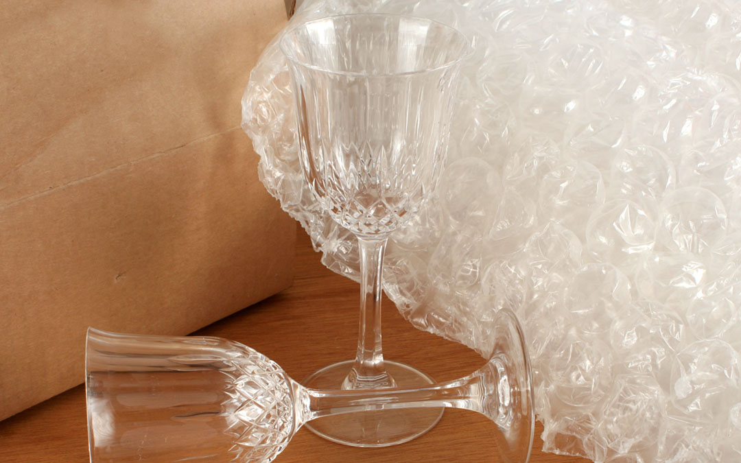 5 Steps for Packing Glass in Bubble Wrap